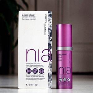 StriVectin NIA Glow On Demand Energizing Illuminat
